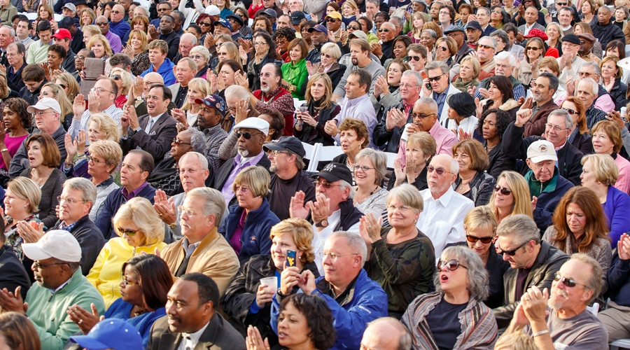 Crowd of jazz fans at annual weekend of jazz kiawah