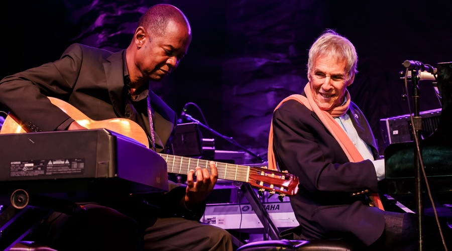 Earl klugh and burt bacharach play together at the annual weekend of jazz kiawah