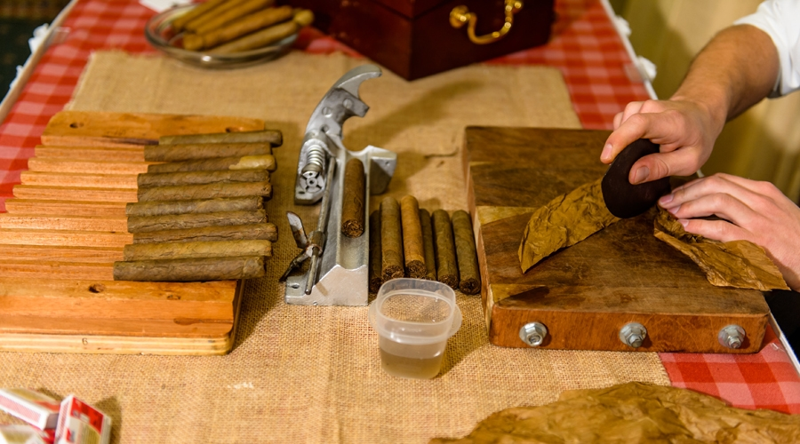 Hand rolled cigars for players of the 2014 Friendship Cup