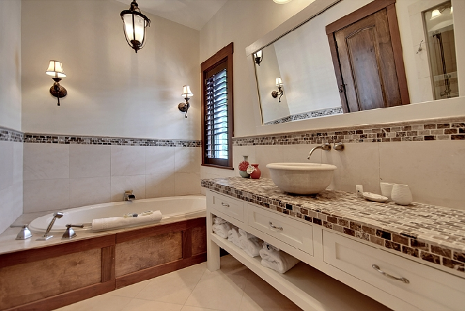 2nd Floor Master Bath