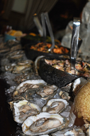 oysters-table