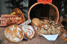 thanksgiving-bread-display