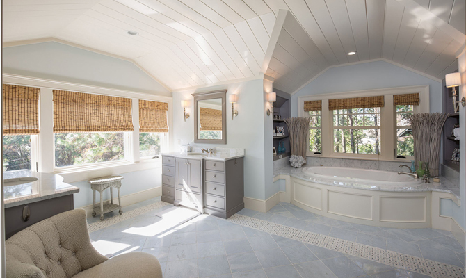 Master King Bathroom